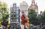 30 Minute Private Vacation Photography Session with Local Photographer in Amsterdam