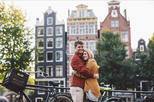 60 Minute Private Vacation Photography Session with Local Photographer in Amsterdam