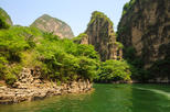 Private Day Tour to Longqing Gorge and Dingling at the Ming Tombs with Lunch and Boat Ride