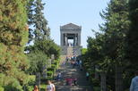 Belgrade and Avala Mountain Full Day Layover Tour with Round-Trip Airport Transfer