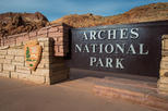 Guided Jeep Tour of Arches National Park and Its Famous Arches