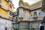 Private half day tour of the landmarks of udaipur in udaipur 382191