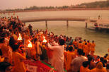 Private Tour: Ganga Aarti Hindu Ritual in Rishikesh Including Dinner