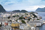 Alesund Shore Excursion: City Sightseeing Hop-On Hop-Off Tour