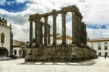 Private Full Day Evora and Monsaraz Tour from Lisbon