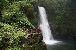 Private Tour to La Paz Waterfall Gardens with Lunch