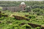 Trace the hidden gems of Tughlaqabad fort in this walking tour