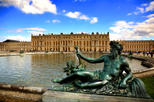 Skip the Line: Versailles Palace in One Day including French Market and Grand Canal Picnic