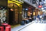 Melbourne Lanes and Arcades Walking Tour with French Speaking Guide