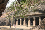 Private Art and Architecture Tour: Mumbai Elephanta Caves and Prince of Wales Museum