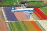 Viator Exclusive: Amsterdam and Tulip Fields Dakota Sightseeing Flight with Skip-the-Line Keukenhof Gardens