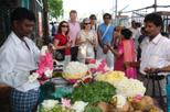 Small-Group Bazaar Walking Tour in Chennai