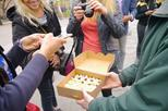 Small Group Total New York City Walking Tour with Food Tastings