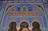 Alcazar and Jewish Quarter Guided Walking Tour in Seville
