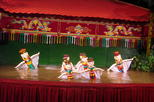 Small Group Hanoi Evening Tour with Cyclo and Water Puppet Show with Food