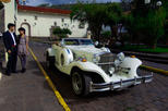 Cusco Romantic Escape: 2 hours Vintage Excalibur Car Tour in Cusco