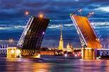 Bascule bridges cruise in Saint-Petersburg with private guide