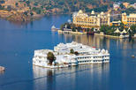 Evening Boat ride at Lake Pichola with Private Transfers