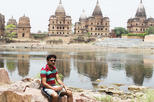 Khajuraho Orchha Private Day Trip with Lunch