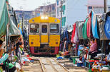 Bangkok - Damnoen Saduak and Train Market Private Tour