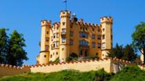 Fuessen Half-Day Tour: Skip-the-Line Neuschwanstein Castle and Hohenschwangau, Füssen, ...