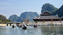4-Day Northern Vietnam Tour Including Hanoi, Halong Bay, and Trang An Grottoes, Hanoi, Multi-day...