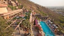 Private Day Trip to Neemrana Fort Palace with Zip-lining Activity and Lunch, New Delhi
