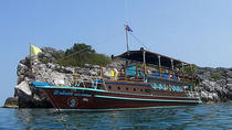 Private Charter: Blue Dragon 62ft Yacht Island Hopping and Snorkeling to koh Taen, Koh Samui, Day...