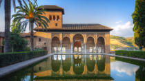Granada Combo: Alhambra Walking Tour and Hop-On Hop-Off Train, Granada
