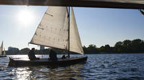 Hamburg Small-Group Sailing Tour with a Private Skipper, Hamburg, Sailing Trips
