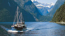 Milford Sound Full-Day Tour from Queenstown including Helicopter Flight, Queenstown, Day Trips