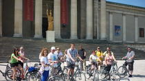 Munich Super Saver: Bike Tour plus Bavarian Food Walking Tour, Munich, Super Savers