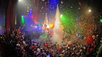 Cancun Nightlife Tour: Open Bar at Coco Bongo and Dinner at Carlos 'n Charlie's, Cancun