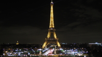 Keine-Warteschlange-Ticket : Eiffelturm Tour bei Nacht, Paris, Attraction Tickets