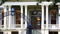 Garden District Walking Tour: Mansions and Lafayette Cemetery, New Orleans