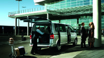 London Shared Arrival Transfer: Airport to Hotel, London
