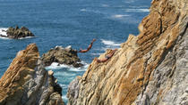 Acapulco Shore Excursion: Cliff Divers at Night, Acapulco, Ports of Call Tours