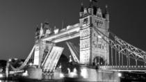 Private Tour: London Geistertour mit traditionellem schwarzen Taxi, London, Ghost & Vampire Tours