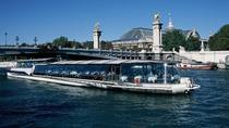 Bateaux Parisiens Seine River Cruise with Lunch and Live Music, Paris