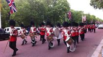 London Walking Tour Including Fast-Track Westminster Abbey Visit and Changing of the Guard, London,...