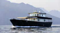 Muscat Luxury Dhow Sunset Cruise, Muscat, Dining Experiences