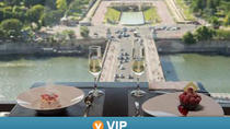 Viator VIP: Eiffel Tower Gourmet 4-Course Dinner with Champagne and Trocadero View Seating, Paris