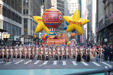Book Thanksgiving Day Parade Viewing Brunch Now!