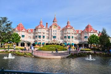 Disneyland Resort Paris with Transport