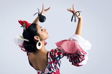 Flamenco Show at Tablao Cantares in Madrid