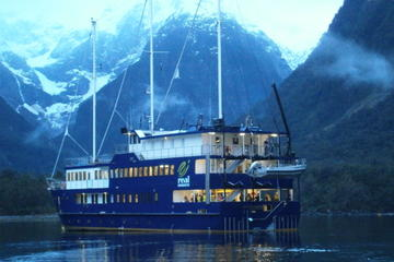 Milford Sound Mariner Overnight Cruise