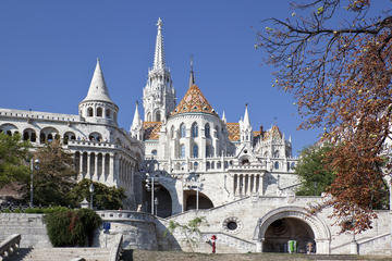 Budapest Walking Tour: Buda Castle District Including Fisherman's Bastion