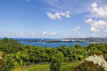 Montego Bay Shore Excursion: Green Grotto Caves and Shopping Combination Tour