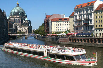Charlottenburg Palace: Dinner and Concert with River Spree Sightseeing Cruise