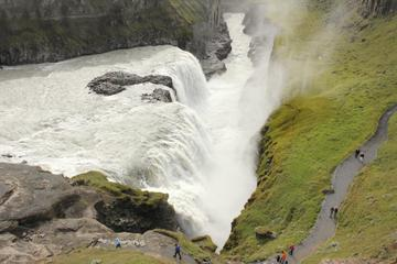 Reykjanes Peninsula and Gulfoss and Geysir Express Tour from Reykjavik